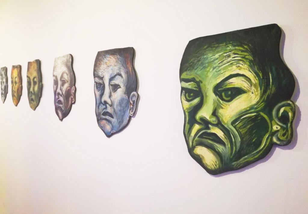 Um de Todos, 2005 - Acrílica sobre tela sobre madeira (série), foto Daniel Wagner